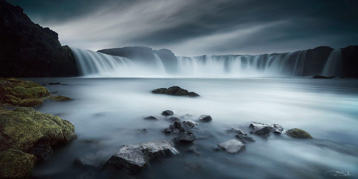 Pepe_Soho_Godafoss_Water_Fall